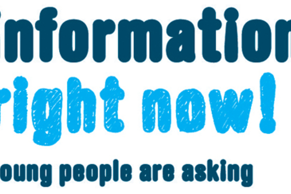Logo de la campaña Information right now! Young people are asking
